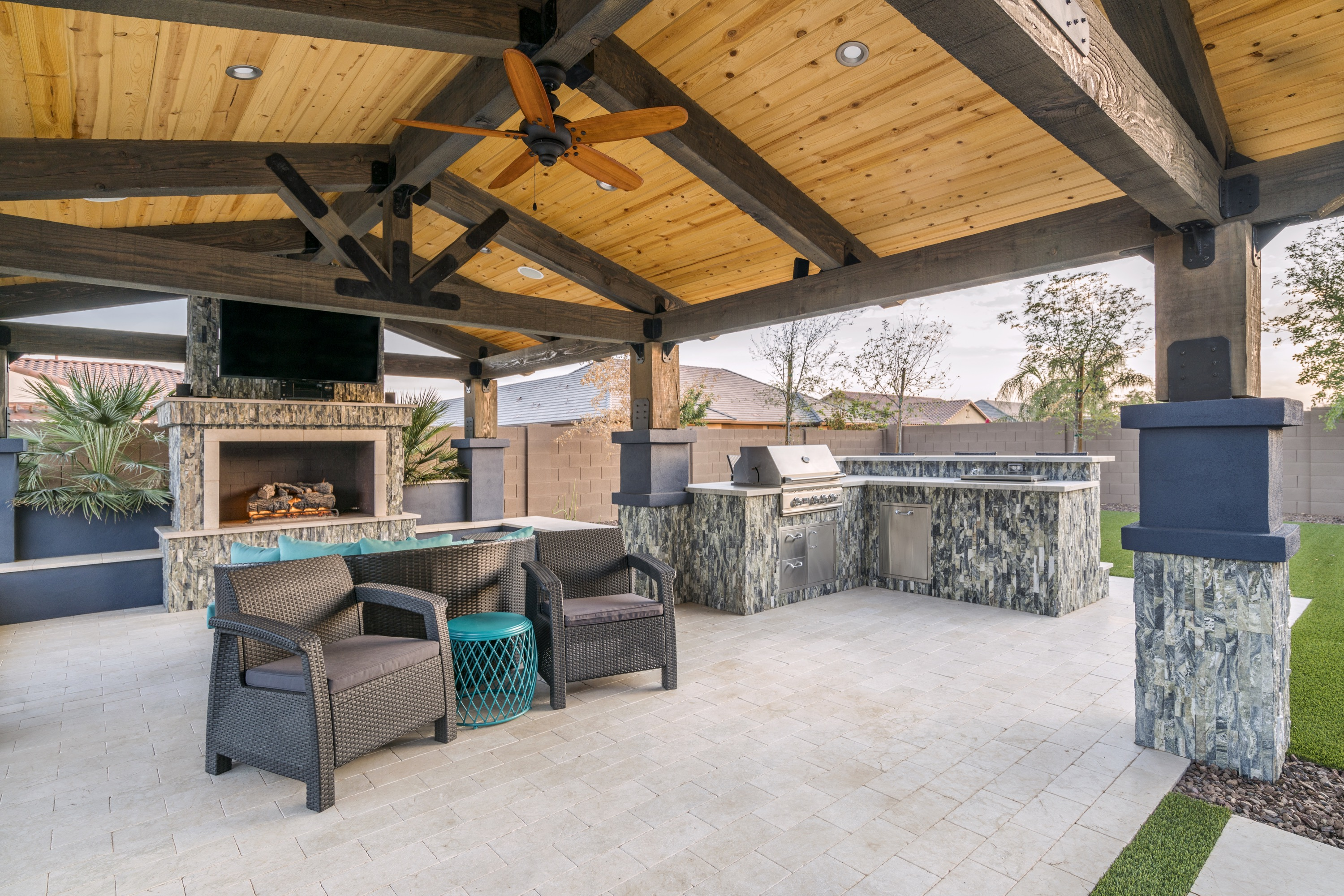 premier-paradise-inc-outdoor-kitchens-7 | Summerset Grills